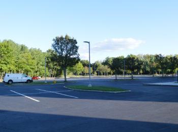 ウェストチェスター院の広い駐車場